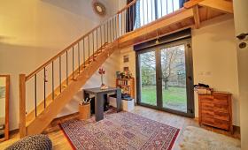 Escalier bois intérieur avec passerelles à Yerres - 1