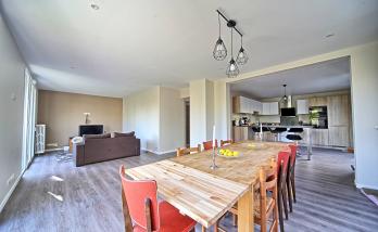 Nouveau salon salle à manger ouvert sur nouvelle cuisine à Montgeron