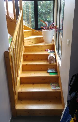 Ancien escalier avec malfaçons (Montgeron 91230)